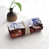 Pencil Wrap กระเป๋าม้วนใส่สีไม้ สูงสุด 72 ช่อง ผ้าแคนวาส ลายต้นไม้ พื้นแดงขาว