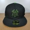 New Era MLB ทีม NY Yankees ดำปักขอบเขียว 🎃ไซส์ 7 1/2 ( 59.6cm )