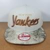 New Era MLB ทีม NY Yankees ปีกหนัง ฟรีไซส์ สายหนัง M-L 57-60.6cm