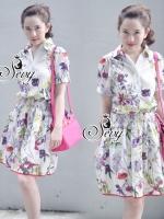 Flora Silk Elastic Waist Long Shirt Sleeveless Mini Dress มินิเดรสทรงเชิ้ตคอปก แขนสั้นเย็บขอบทำให้มีดีเทลช่วงแขนพองนิดๆ ช่วงเอวเย็บจับสม้อคแบบคลายๆ เนื้อผ้าไหมญี่ปุ่นทออย่างดี ผสมเนื้อโพลีส เนื้อดีมากๆค่ะ ใส่สบายนะคะรุ่นนี้ ลายผ้าพิมพ์ดิจิตัล ลายดอกไม้สวย
