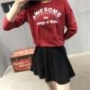 เสื้อครอปแฟชั่น แขนยาว เอวเข้ารูป ลาย awesome สีแดง