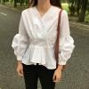 เสื้อแฟชั่นคอวี แต่งแขนจับจีบพองๆ น่ารักสไตล์เกาหลี-สีขาว