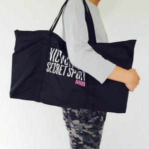 VICTORIA'S SECRET SPORT TOTE GYM BAG