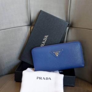 PRADA กระเป๋าสตางค์ใบยาว *น้ำเงิน