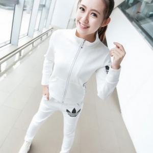 Set ชุดออกกำลังกาย สีขาว เสื้อแขนยาว กางเกงขายาว