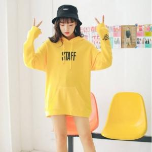 เสื้อแฟชั่นฮู้ดดี้ แขนยาว ลาย STAFF สีเหลือง