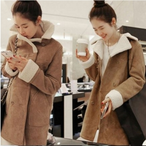 เสื้อโค้ท แฟชั่นกันหนาว แต่งขนแกะ ใส่สวยดูดีแบบเก๋ ๆ