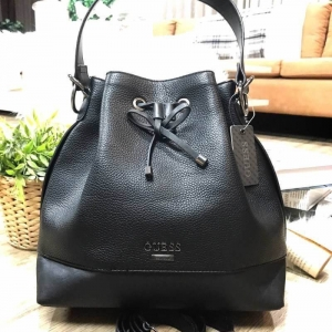 GUESS DRAWSTRING BUCKET BAG WITH STRAP สำเนา