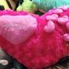 หมอนผ้าห่มแยกชิ้น รูปหัวใจสีแดง มีลายช่อหัวใจบนหมอน