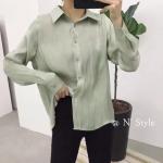 เสื้อเชิ้ตแฟชั่นสีเขียว