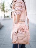 กระเป๋าแฟชั่นสีชมพู