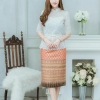 เดรสผ้าไทย(พื้นแดงอมส้มพิมพ์ลายทอง/ ลูกไม้ขาว)