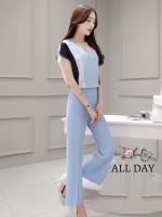 เสื้อผ้าเกาหลี พร้อมส่ง เสื้อคอวีกับกางเกงสีฟ้า