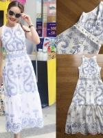ชุดเดรสเกาหลี พร้อมส่ง เดรสยาว ผ้าพื้นสีขาวพิมพ์ลายสีฟ้า