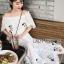 เดรสเกาหลี พร้อมส่ง เดรสผ้าชีฟอง สีขาวทรงเปิดไหล่ปักลายดอกไม้ thumbnail 10