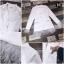เสื้อผ้าเกาหลี พร้อมส่ง เสื้อสูทขาวปลายขนนก thumbnail 3