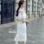 เดรสเกาหลี พร้อมส่ง เดรสสีขาวยาวอกระบาย thumbnail 5