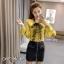 เสื้อเกาหลี พร้อมส่ง งานผูกโบว์ เปิดไหล่ thumbnail 4
