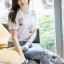 พร้อมส่ง เสื้อยืดสีขาวและกางเกงยีนส์ปักดอกไม้ thumbnail 8
