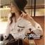 เสื้อเกาหลี พร้อมส่ง เสื้อเชิ้ต สีขาวปักลายการ์ตูน thumbnail 10