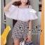 เสื้อผ้าเกาหลี สีขาวระบายกับกางเกงเอวสูง พร้อมส่ง thumbnail 3