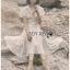 ชุดเดรสเกาหลี พร้อมส่ง เดรสสีขาว พิมพ์ลายดาวสีทอง thumbnail 5