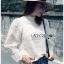 เสื้อเกาหลี พร้อมส่ง เสื้อลูกไม้ ลายซิกแซกคลื่นลายทาง thumbnail 1