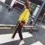 เสื้อผ้าเกาหลี พร้อมส่ง เสื้อแต่งแถบตัวอักษรเหลืองดำตัดกัน thumbnail 4