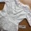 พร้อมส่ง เสื้อผ้าลูกไม้สีขาวตกแต่งริบบิ้นสไตล์วินเทจ thumbnail 15