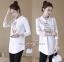 เสื้อเกาหลี พร้อมส่ง เสื้อเชิ้ตหน้าสั้นหลังยาว thumbnail 2