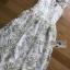 พร้อมส่ง เดรสผ้าทูลล์ปักลายดอกไม้สีขาวและทอง thumbnail 11