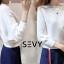 เสื้อเกาหลี พร้อมส่ง เสื้อไหมพรมคอปาดทรงผีเสื้อ thumbnail 6