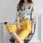 พร้อมส่ง เสื้อลายดอกไม้กับกางเกงสีเหลือง thumbnail 3