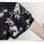 พร้อมส่ง เสื้อพื้นสีดำ ลายดอกไม้ คอวี thumbnail 14