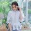 เสื้อเกาหลี พร้อมส่ง เสื้อแขน 5 ส่วน ทรงหน้าสั้นหลังยาว thumbnail 12