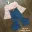 เสื้อผ้าเกาหลี พร้อมส่ง เสื้อเปิดไหล่ กับ กางเกงยีนส์ เอวสูง thumbnail 3