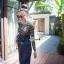 เสื้อผ้าเกาหลี พร้อมส่ง เสื้อผ้ายืดลายขวาง กับเอี๊ยมยีนส์ thumbnail 3