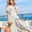 เดรสเกาหลี พร้อมส่ง เดรสผ้าชีฟอง สีขาวทรงเปิดไหล่ปักลายดอกไม้ thumbnail 2