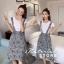 เสื้อผ้าเกาหลี พร้อมส่ง เสื้อขาวกับเอี๊ยมระบาย thumbnail 2