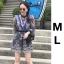 เสื้อผ้าเกาหลี พร้อมส่ง ชุดจั๊มสูท ผ้าแก้วปักลายดอกไม้ thumbnail 1