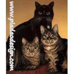 กระดาษสาพิมพ์ลาย สำหรับทำงาน เดคูพาจ Decoupage แนวภาำพ แมวน้อยตัวดำ 1 ตัว กับแมวลายก้างปลาสีเทา 2 ตัว ยืนเบิ่งตาเขม็ง (ปลาดาวดีไซน์) A5