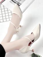รองเท้าคัทชูหัวแหลมหนังแก้ว สูง 7ซม. เก๋ที่สายคาดและส้นรองเท้า ดูแพงค่ะ