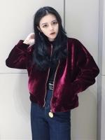 เสื้อผ้าแฟชั่นฤดูหนาว เสื้อกันหนาวผ้ากำมะหยี่ ซิปหน้า ผ้าด้านในเป็นผ้าฝ้าย มี 2 สีคือ แดงและดำค่ะ