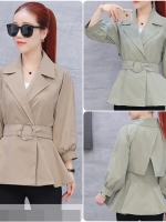 เสื้อสไตล์เกาหลี จะใส่แบบคลุมหรือใส่ตัวเดียวก็เก๋ แต่งดีเทลเข้มขัดคาดเอว เนื้อผ้าดีสวมใส่สบาย งานนำเข้าแบรนด์แท้ของเมืองนอกคุณภาพดี