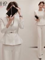 ชุดทำงานออฟฟิต ชุด 2ชิ้น เสื้อแขนยาวเข้ารูปซิปหน้า และกางเกงขายาว Working Woman มี 2ีสีคือ ขาวและดำ ใส่ได้หลายสไตล์ค่ะ