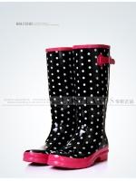 รองเท้าบูท LOSTLANDS รองเท้าบูทกันน้ำแฟชั่น สำหรับหน้าฝน พื้นดำจุดขาว สูง 38.50 ซม. (ตัวแทน 1,000บาท)