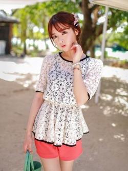 White Lace Blouse เสื้อผ้าลูกไม้สีขาว เอวยางยืด