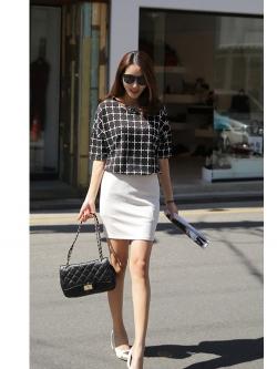 เสื้อตัวยาว ผ้าชีฟอง พิมพ์ลายกราฟฟิก สีขาว สีดำ