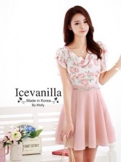 Icevanilla ชุดเดรสพิมพ์ลายดอกกุหลาบโทนชมพูโอลด์โรส พร้อมเข็มขัด
