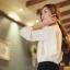 Cherry KOKO เสื้อผ้าไหมชีฟองสีขาว คอจีน แต่งระบายที่ไหล่ thumbnail 14